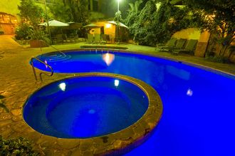 Our pool at night >> pool