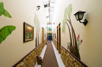 Hallway at Adventure Inn >> hotel